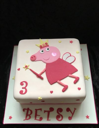 pepper pig birthday cake design