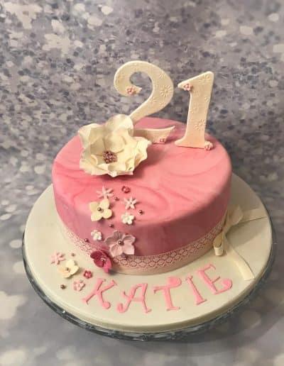 2nice2slice Ladies Birthday Cake 2